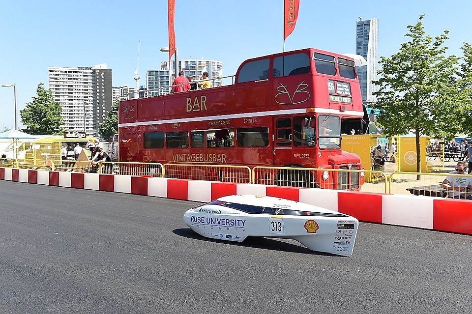 The Ecotöff III, race #33, a gasoline Prototype vehicle competing for team LTAM from Luxembourg during day one of Shell Make the Future Live, Thursday, May 25, 2017 in London. (Mark Pain/Shell)